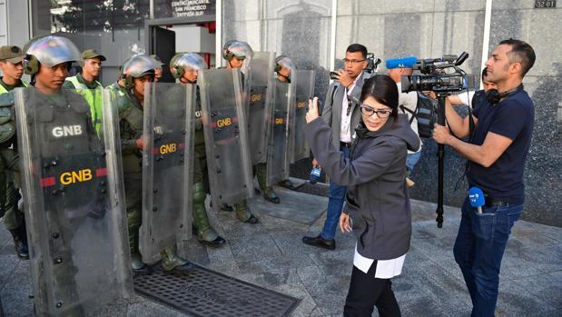 La Guardia Nacional Bolivariana impide el acceso de periodistas a la sede de la Asamblea Nacional