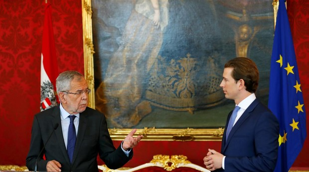 El presidente de Austria, Alexander Van der Bellen (izquierda), junto al canciller austriaco Sebastian Kurz