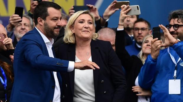 El líder de la Liga Norte, Matteo Salvini, y la de Agrupación Nacional, Marine Le Pen