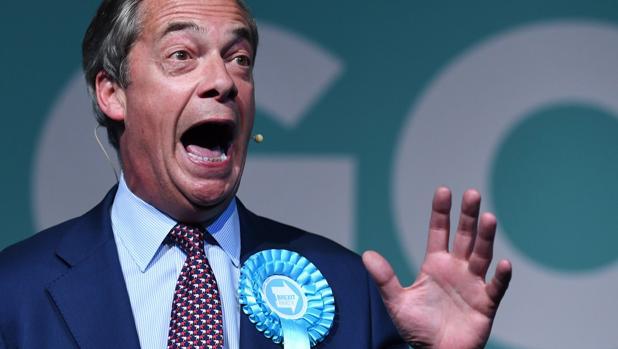 El Partido del Brexit de Farage barrerá en las elecciones europeas en Reino Unido