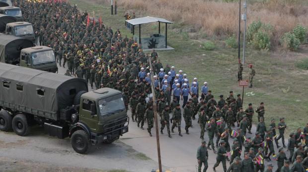 Un censo reagrupa a militares venezolanos en el exilio que podrían forzar la salida de Maduro del poder