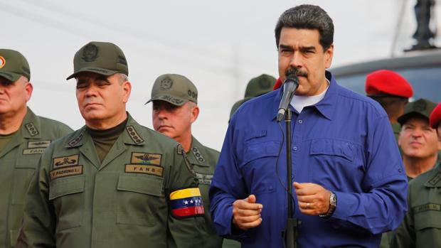 Maduro planea sustituir al ministro de Defensa por un primo de Diosdado Cabello