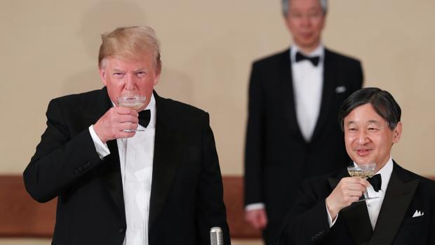 Trump luce su alianza con Japón, pero no olvida el déficit comercial