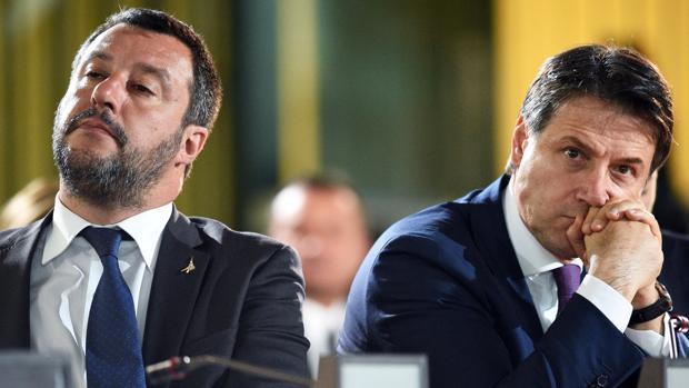 Las reticencias entre la Liga y el M5S llevan a Conte a amenazar con dimitir en Italia