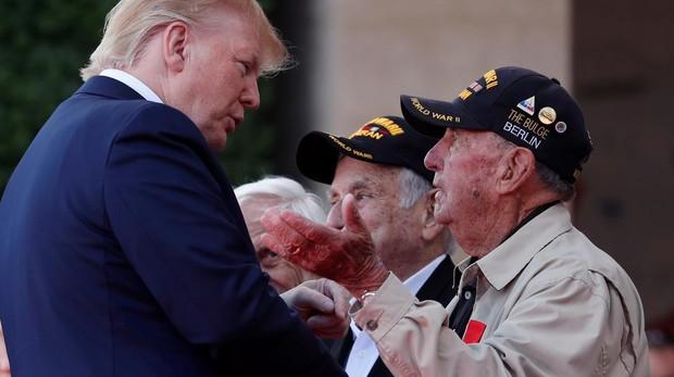 Los veteranos del Desembarco de Normandía alaban la presidencia de Trump