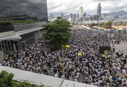 Otra imagen de los manifestantes en las calles de Hong Kong