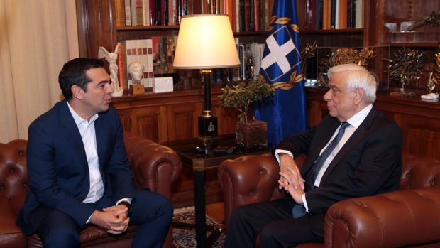 Tsipras solicitó al presidente el cierre del parlamento y la convocatoria de elecciones generales