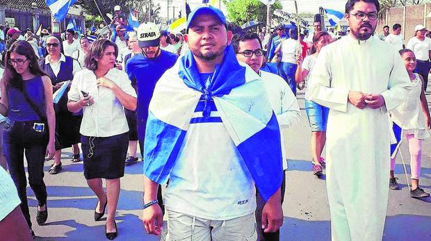 Nueve meses en la cárcel por prestar atención médica a los manifestantes nicaragüenses