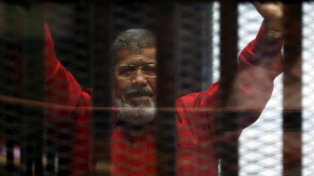 Muere el expresidente egipcio Mursi tras desmayarse durante un juicio