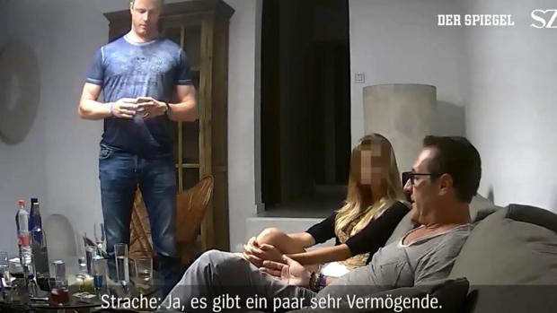 Strache será sustituido por su mujer en el Parlamento de Austria