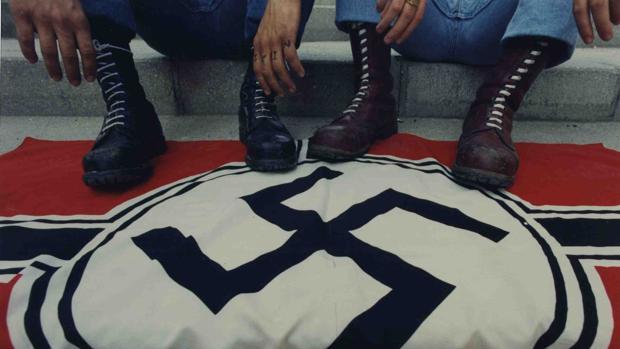 Condenan a dos neonazis británicos por promover un atentado contra el Príncipe Harry