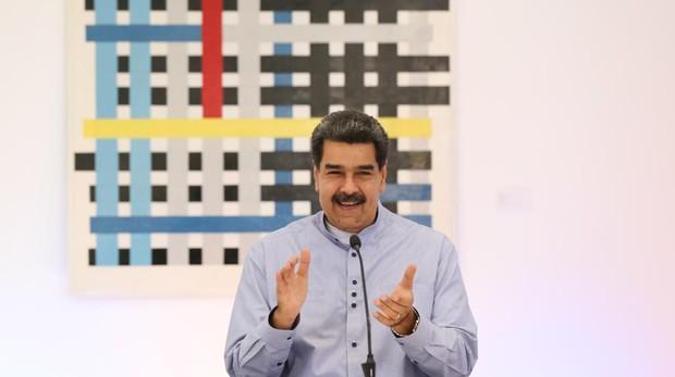 Maduro libera a tres presos políticos horas antes de la visita de Bachelet