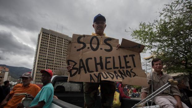 Cerca de 800 presos políticos de Venezuela esperan ver a Michelle Bachelet