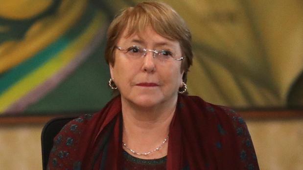 Maduro libera a 28 presos políticos ante la visita de Bachelet