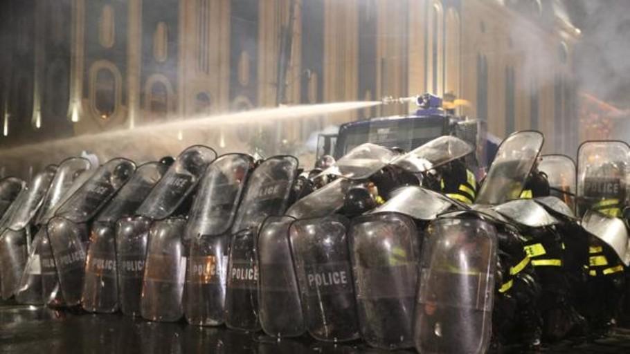 Graves disturbios en Georgia entre miles de opositores y la Policía