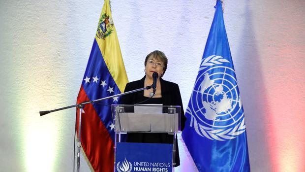 Bachelet termina su visita a Caracas entre críticas y pocos resultados
