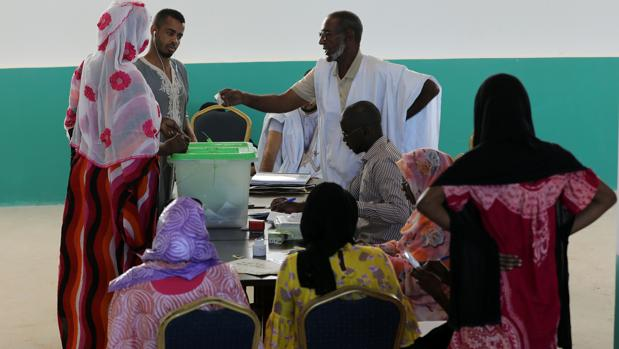 Mauritania acude a las urnas en lo que se espera sea la primera transición pacífica desde 1960