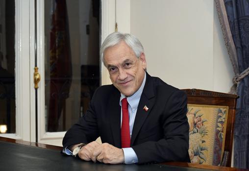 Sebastián Piñera atiende a ABC en Santiago de Chile