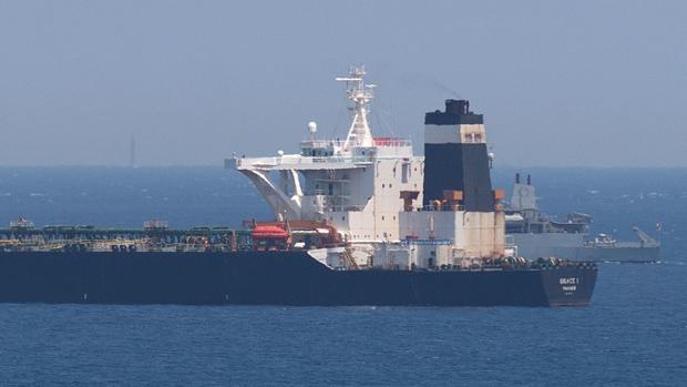 Londres aborda en Gibraltar un petrolero iraní que se dirigía a Siria