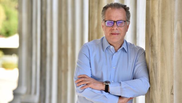 Kumutsakos: «Nuestros socios europeos y los griegos esperan un Gobierno que arranque el 8 de julio»