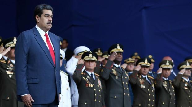 Doscientos cubanos guardan a Maduro de sus rivales