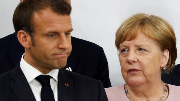 Macron sellará hoy con Merkel su iniciativa de defensa europea