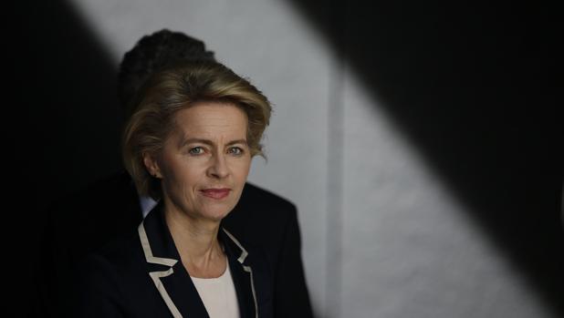 Von der Leyen promete salario mínimo y seguro de paro europeos