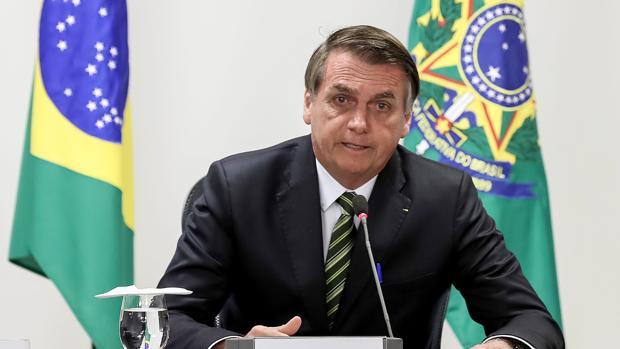 Bolsonaro vuelve al quirófano, mientras su popularidad sigue cayendo