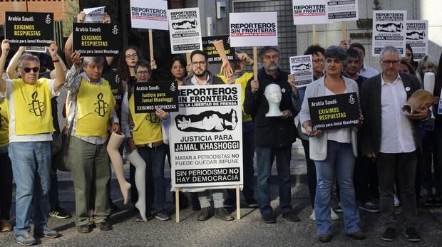 RSF exige que se aclare el asesinato de Khashoggi con una protesta frente a la Embajada de Arabia Saudí