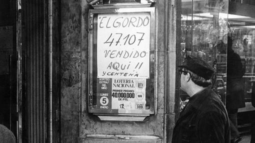 Cartel en la administración de Doña Manolita, en 1975