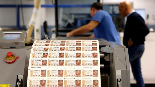 «Un décimo de Lotería es más dificil de imprimir que un pasaporte», aseguran desde la Fábrica de la Moneda