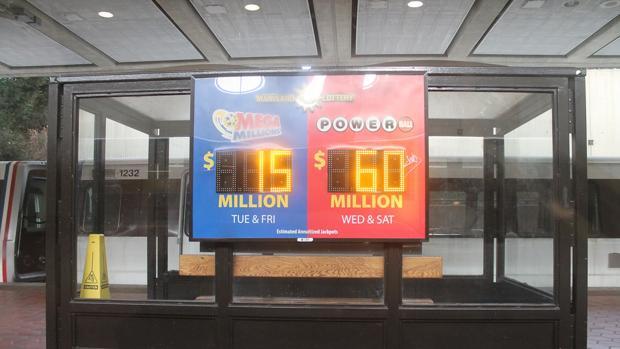 Un panel del sorteo estadounidense Mega Million