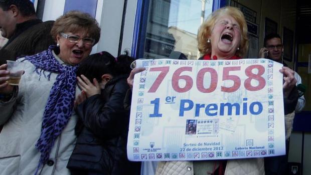 El Gordo de Lotería de Navidad premia cada décimo premiado con 320.500 euros después de impuestos