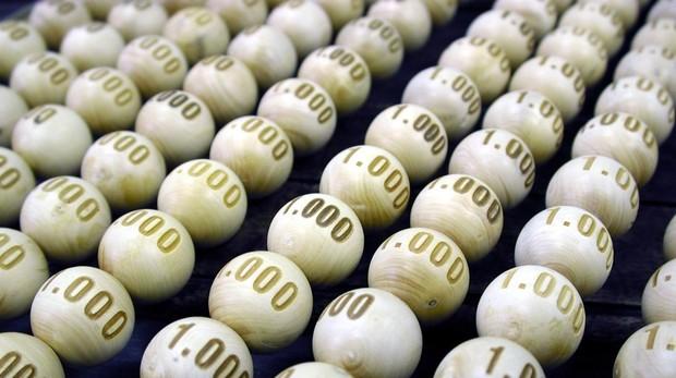 Imagen de las bolas que entrarán en el bombo en el sorteo de la Lotería de Navidad.