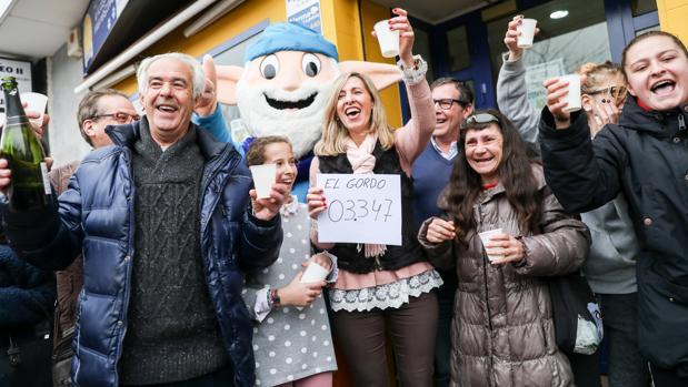 La felicidad bañó ayer el número 22 de plaza de Europa, en Torrejón de Ardoz