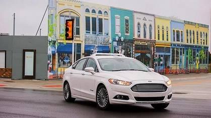 Ford prueba su Mondeo de conducción autónoma en MCity