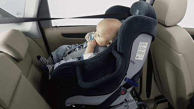 Sillitas ni os coche diez normas b sicas para usar bien la sillita infantil de coche - Normativa sillas de coche para ninos ...