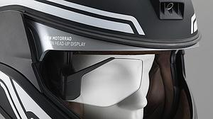 BMW presenta una nueva luz láser y un head-up display para el casco del motorista