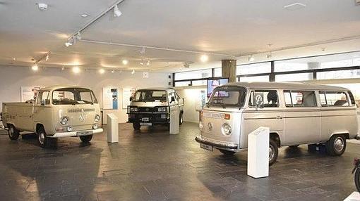 Exposición con varias generaciones del modello9