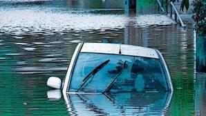 Esto es lo que se estropea en el coche en una inundación