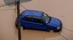 ¿Merece la pena reparar un coche tras una riada?