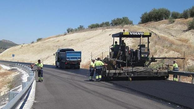 Resultado de imagen de accidente asfaltando carretera