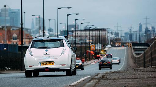 El Nissan Leaf circulando por las calles de Londres