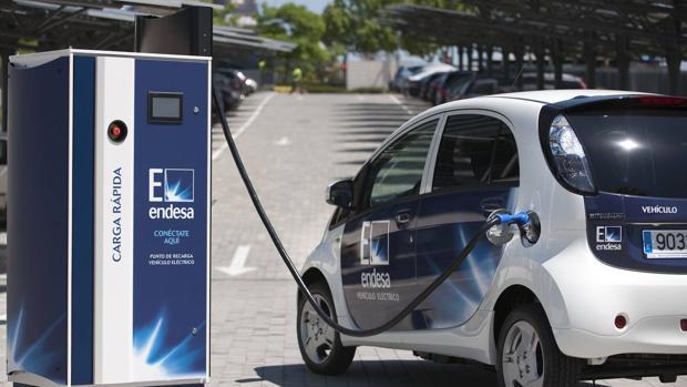 Resultado de imagen de cargadores rapidos coche electrico