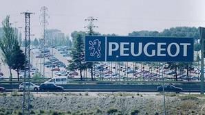 Fábrica PSA de Madrid en 1998, todavía bajo la denominación Peugeot y hoy bajo la de PSA