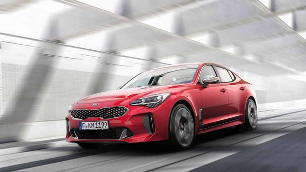 El nuevo Kia Stinger debuta en España en el Automobile