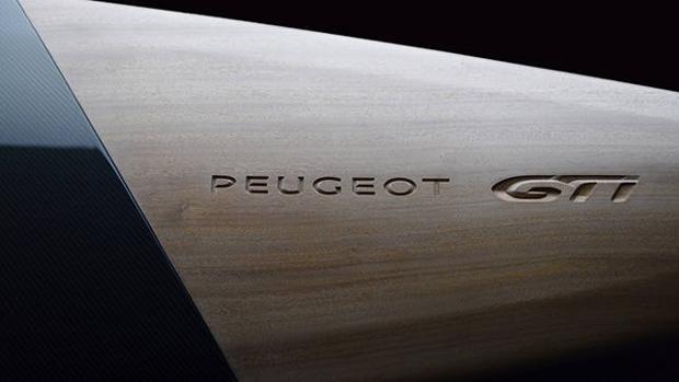 Madera y fibra de carbono se juntan en el nuevo GTi de Peugeot