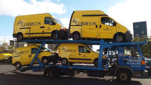Correos sigue vendiendo vehículos de su propiedad para cambiarlos por otros eléctricos