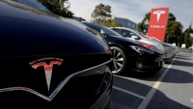 060b3c38a Tesla se alía con El Corte Inglés para vender coches en sus centros ...