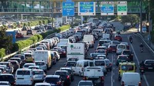 Cómo debemos conducir si nos pilla un atasco